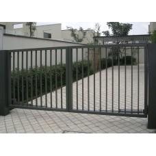 Varstomi vartai su strypeliu užpildu 20x20, kilpom pakabinamai spynai