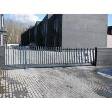 """Metalinių strypų 60x40 tvora - """"ŠUKOS"""""""